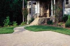 mega-bergerac-circle-paver-driveway